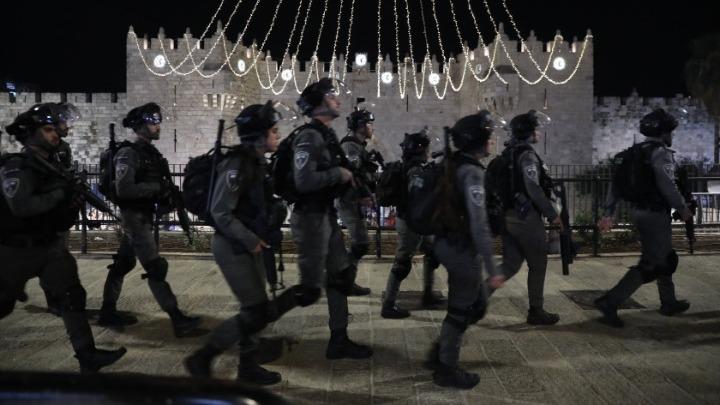 Σχεδόν 170 τραυματίες σε συγκρούσεις μεταξύ Παλαιστίνιων και Ισραηλινών αστυνομικών στην Παλιά Πόλη της Ιερουσαλήμ