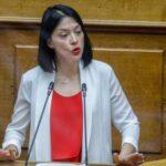 nantia-giannakopoulou:-stin-epimeleia-ton-paidion-den-krinetai-an-kapoios-tassetai-me-tis-feministries-i-me-tous-mpampades,-alla-an-paramenei-atalantefta-me-to-symferon-ton-paidion