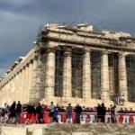 eisvoli-opadon-tou-olympiakou-ston-archaiologiko-choro-tis-akropolis
