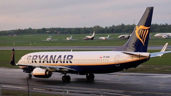 Ο πιλότος της Ryanair ήταν υποχρεωμένος να προσγειωθεί στο Μινσκ, σύμφωνα με ειδικούς στον τομέα της ασφάλειας των πτήσεων