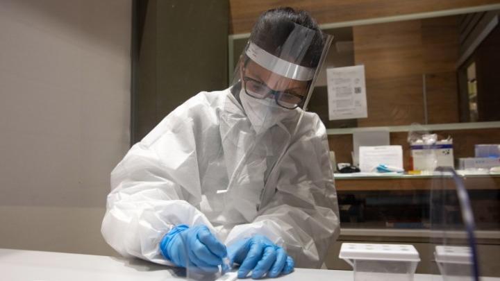 Ιταλία-κορονοϊός: 3.937 νέα κρούσματα, 137 θάνατοι – Στα ιταλικά θέρετρα θα εμβολιαστούν και οι τουρίστες;