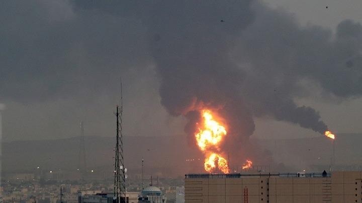 Ιράν: Τεράστια πυρκαγιά σε διυλιστήριο της Τεχεράνης – Δεν υπάρχουν αναφορές για θύματα
