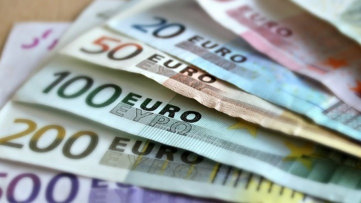 Ενισχύονται 9.617 επιχειρήσεις της Αττικής με μη επιστρεπτέα χρηματοδότηση, ύψους 250.104.325 ευρώ